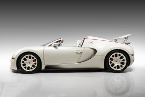 2011_Bugatti_Veyron_Grand_Sport