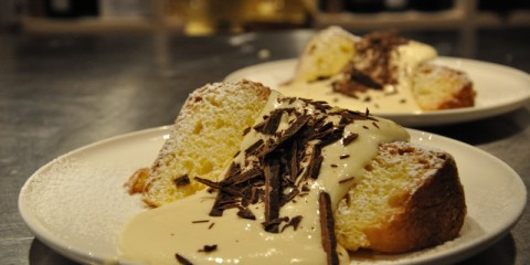 Panettone with mascarpone sauce